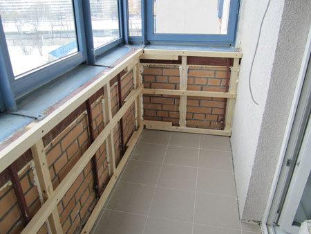 Обрешетка внутри балкона