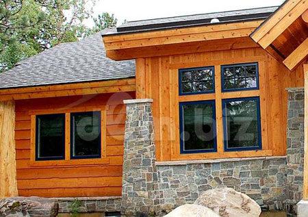 Фасад из дерева и камня